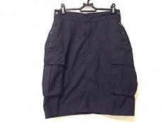 ヒールアンドトゥのスカート