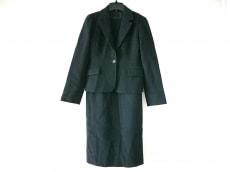 ラティールのワンピーススーツ