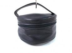 ラルクドゥサンベルナールのバニティバッグ