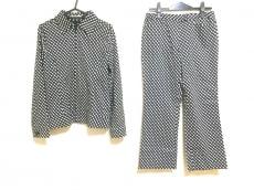 アーヴェヴェのレディースパンツスーツ