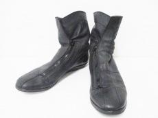 エムエーユリウスのブーツ