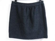 ミラーミラーオンザウォールのスカート