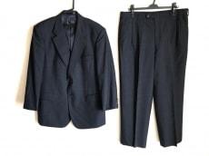 ギーブス&ホークスのメンズスーツ