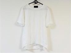 アイボリーコートのTシャツ