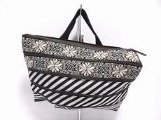 カオパオシュのハンドバッグ
