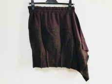 ヒスイのスカート