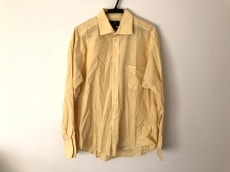 ジー・アンド・ジーのシャツ
