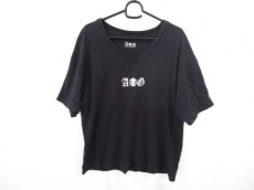エーアンドジーのTシャツ