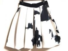 エッグスのスカート
