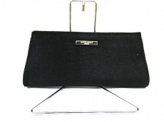 ジョルジオアルマーニパフュームのクラッチバッグ