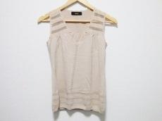 ドレスサーティースリーのセーター