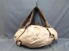 ビージュエルドのショルダーバッグ
