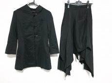 アリスアウアアのスカートスーツ