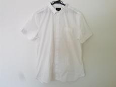 レゾムのシャツ