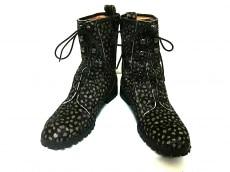 ヒールアンドトゥのブーツ