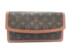 LOUIS VUITTON(ルイヴィトン)/クラッチバッグ
