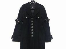 ブラックピースナウのコート