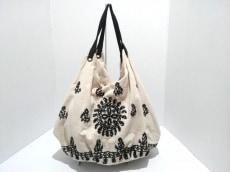 KAVITA BHARTIAのハンドバッグ