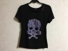 ジュリーブラックのTシャツ