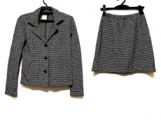 agnes b(アニエスベー)/スカートスーツ