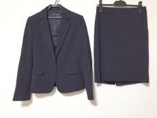インディヴィジュアルのスカートスーツ