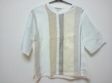 アルテポーヴェラのTシャツ