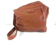 BALENCIAGA(バレンシアガ)のデイのショルダーバッグ