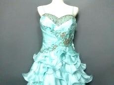 マック ドゥガルのドレス