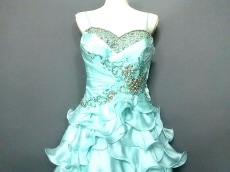 Mac Duggal(マック ドゥガル)のドレス