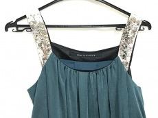 シップスリトルブラックのドレス