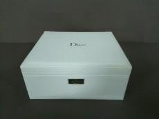 huge selection of e7ba1 f1246 ディオールビューティー 小物入れ新品同様 白 メイクボックス 合 ...