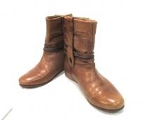 イヌーボのブーツ