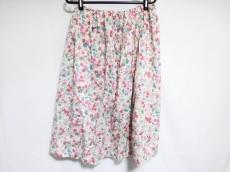 アプレスのスカート