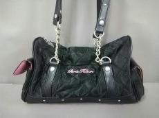 パリス・ヒルトンのショルダーバッグ