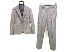 ラリバビアンカのレディースパンツスーツ