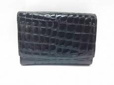 COCCO FIORE(コッコフィオーレ)/2つ折り財布