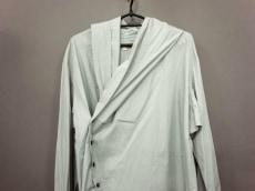 ダミールドーマのコート