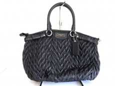 COACH(コーチ)のマディソン シェブロン ナイロン ソフィア サッチェルのハンドバッグ