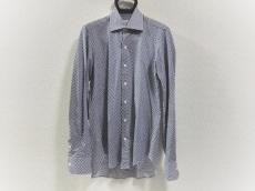 アルティジャナーレのシャツ