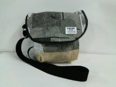 マーブルシュッドのショルダーバッグ