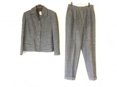 クリッツィアポイのレディースパンツスーツ