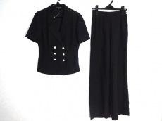 コリーヌサリューのレディースパンツスーツ