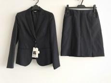 エムユーインタープラネットのスカートスーツ