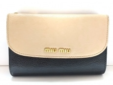 miumiu(ミュウミュウ)/3つ折り財布