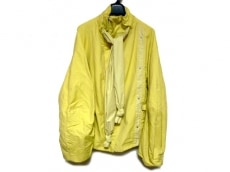 ケイ シラハタのコート