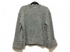 yori(ヨリ)のセーター