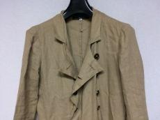 GEOFFREY B. SMALL(ジェフリービースモール)のコート