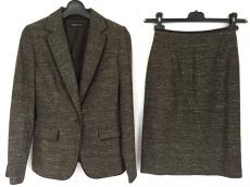ブリジットのスカートスーツ