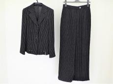 ブリジットのレディースパンツスーツ