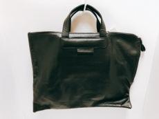 アンドレア インコントリのハンドバッグ